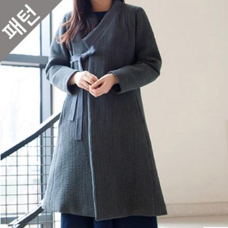 服のパターンの衣装パターン女性衣[P1004]